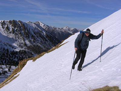 Foto: Andreas Koller / Wander Tour / Drei Gipfel über dem steirischen Bärntal (2386 m) / Steile südseitige Hänge im Aufstieg zu den Gamskögel / 09.01.2007 02:04:25