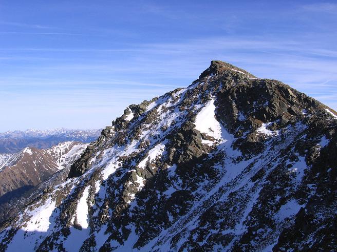 Foto: Andreas Koller / Wander Tour / Drei Gipfel über dem steirischen Bärntal (2386 m) / Gamskögel N-Seite / 06.05.2007 15:01:00