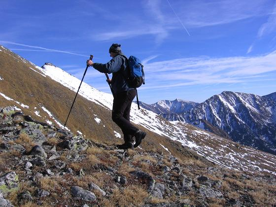 Foto: Andreas Koller / Wander Tour / Drei Gipfel über dem steirischen Bärntal (2386 m) / Am S-Grat hinauf auf den Gipfel / 06.05.2007 14:55:20