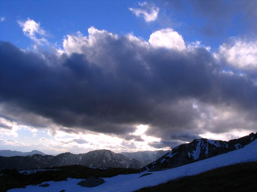 Foto: Andreas Koller / Wander Tour / Übers G´hackte auf den G´hacktkogel (2214 m) / Stimmungsvolle Wolken Richtung Süden / 09.01.2007 01:50:39