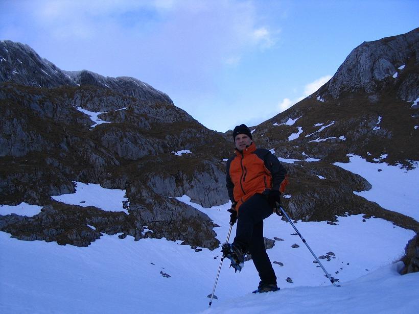 Foto: Andreas Koller / Wander Tour / Übers G´hackte auf den G´hacktkogel (2214 m) / Steigeisen sind nur bei Schneelage bzw. Eis im G´hackten notwendig / 09.01.2007 01:49:59
