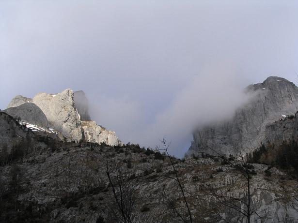 Foto: Andreas Koller / Wander Tour / Übers G´hackte auf den G´hacktkogel (2214 m) / Im Trawiestal / 22.04.2007 22:50:23