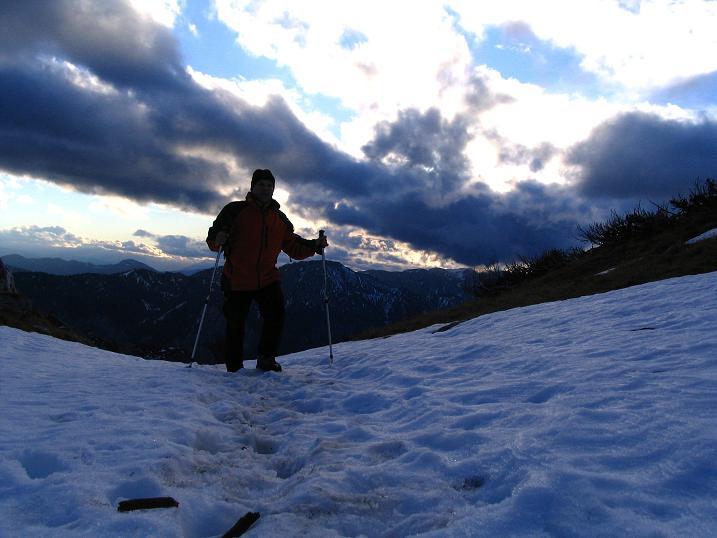 Foto: Andreas Koller / Wander Tour / Übers G´hackte auf den G´hacktkogel (2214 m) / Abendstimmung unterhalb des G´hackten / 22.04.2007 22:52:21