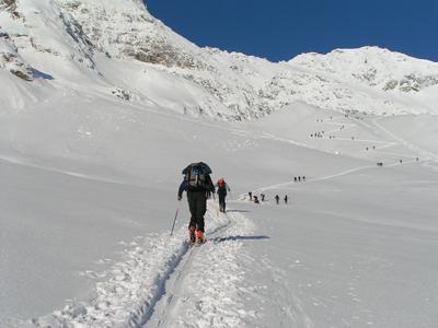 Foto: mote / Ski Tour / Hocharn, 3254m - von Kolm Saigurn / Der Anfang ist geschafft / 04.04.2007 21:54:26