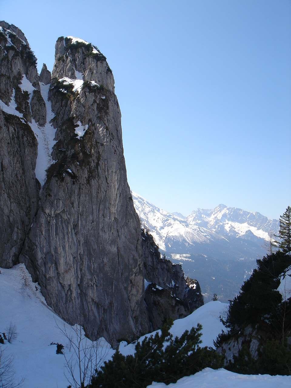 Foto: Manfred Karl / Ski Tour / Hoher Göll, 2522m / Eindrucksvoll ist besonders der untere Teil vom Alpeltal. / 18.05.2007 06:44:32