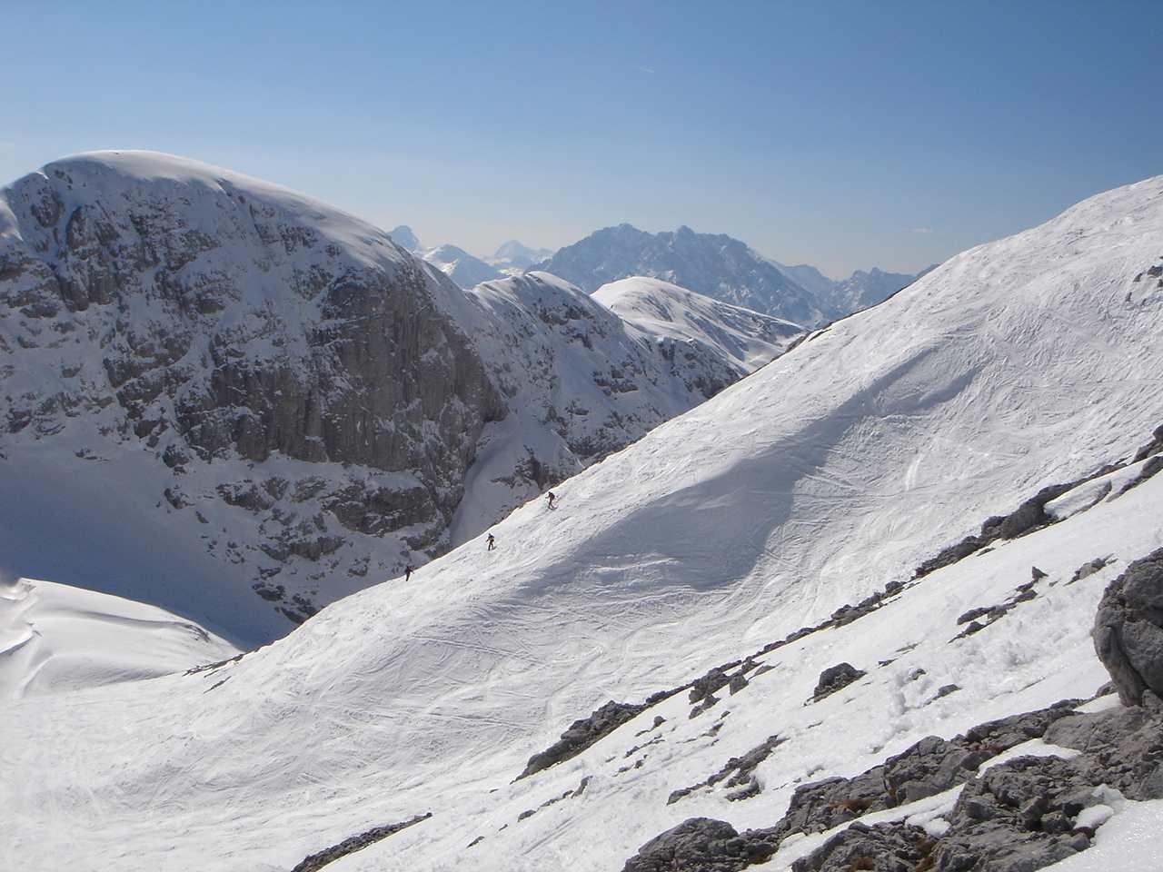 Foto: Manfred Karl / Ski Tour / Hoher Göll, 2522m / Meist herrschen pistenartige Verhältnisse, was nicht unbedingt immer ein Nachteil sein muss. / 18.05.2007 06:42:47