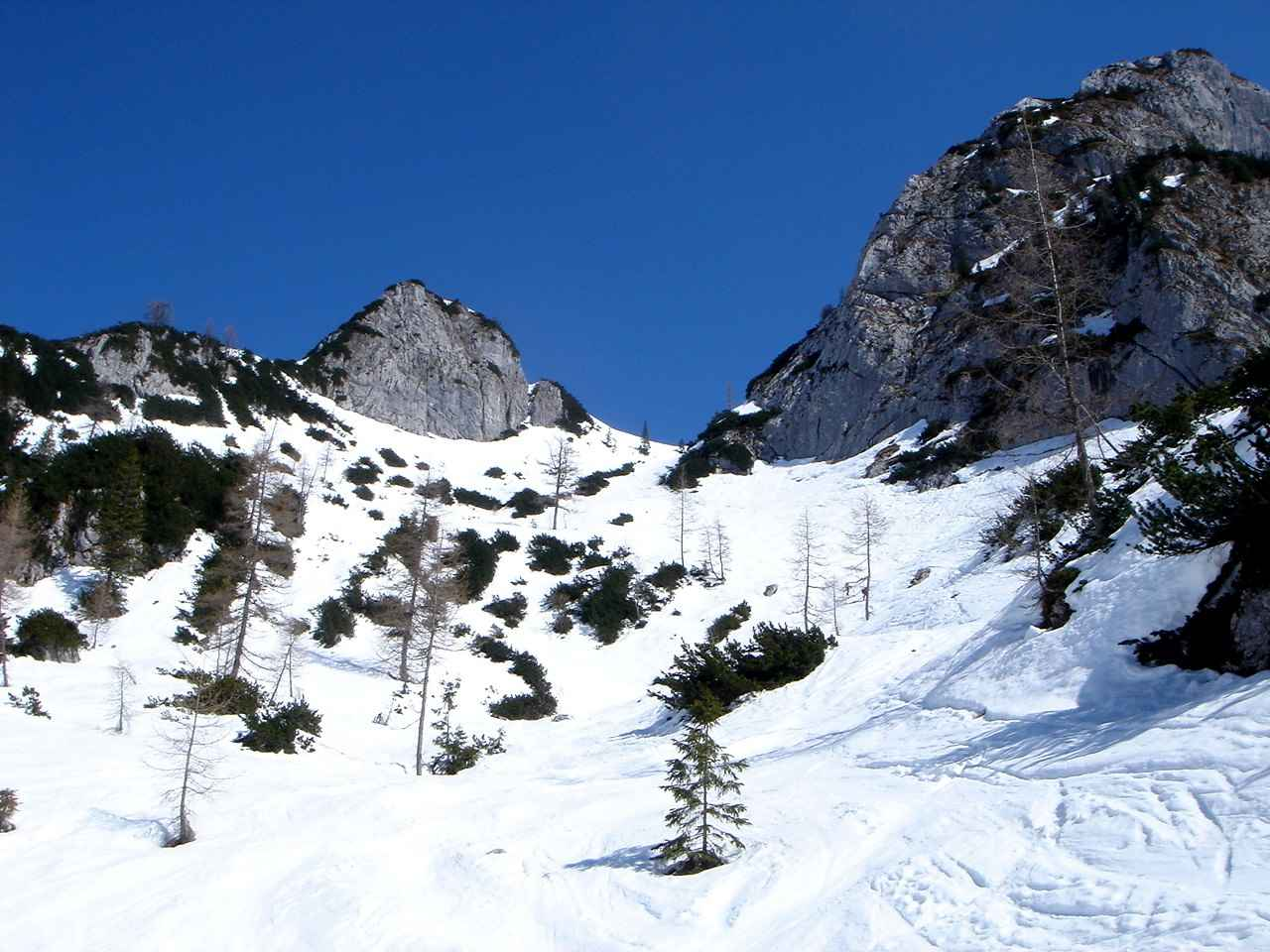 Foto: Manfred Karl / Ski Tour / Hoher Göll, 2522m / Mittlerer Teil des Alpeltals. / 18.05.2007 06:43:57