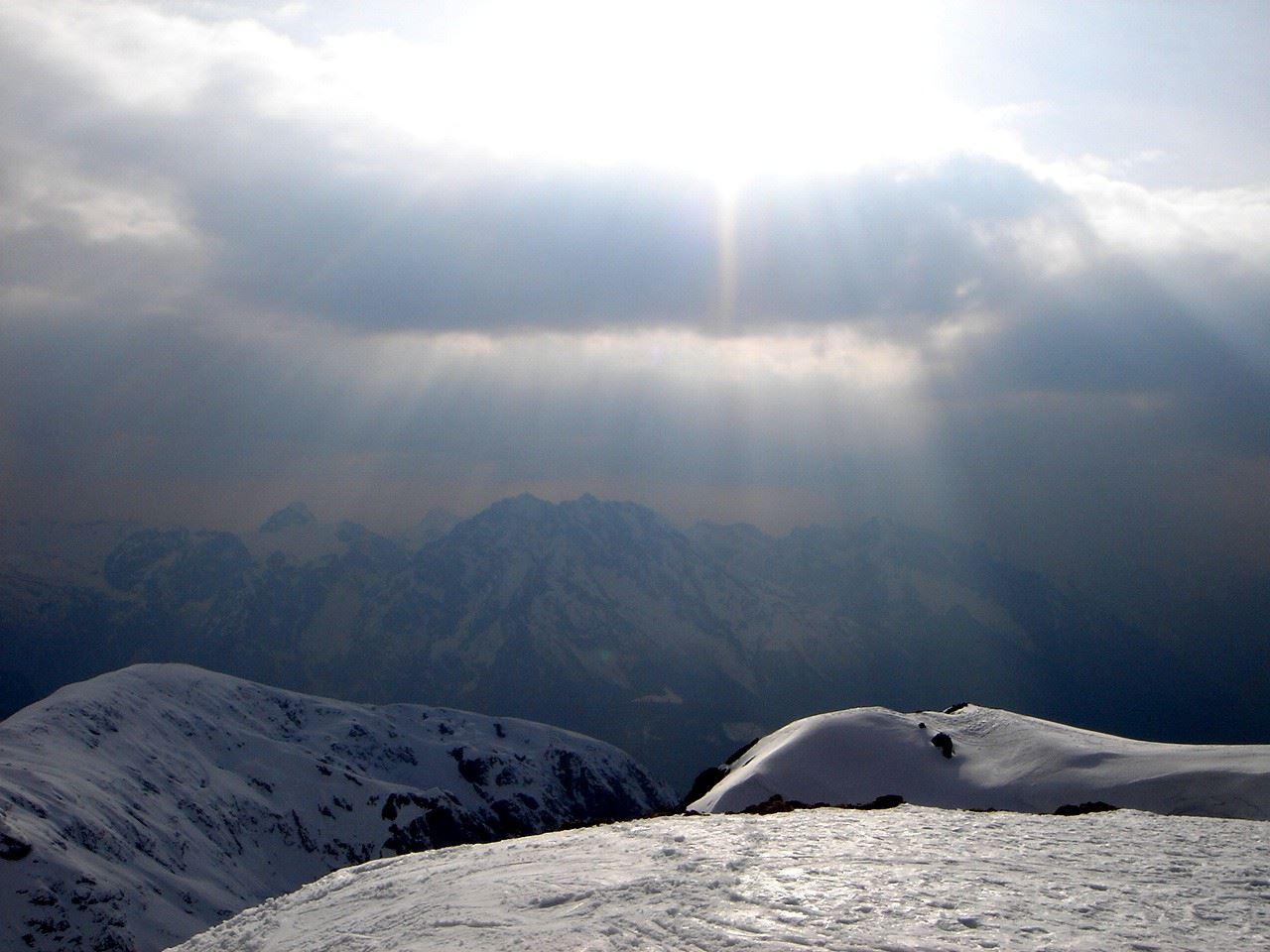 Foto: Manfred Karl / Ski Tour / Hoher Göll, 2522m / Hundstod - Watzmann - Hochkalter / 18.05.2007 06:38:54