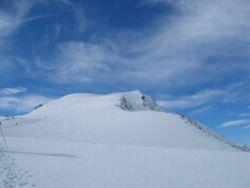 Foto: Florian Linsinger / Ski Tour / Vom Enzingerboden auf den Hocheiser, 3206m / die letzten Höhenmeter in Richtung Gipfel / 18.04.2007 10:50:04