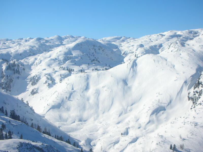 Foto: Andreas Steiner / Ski Tour / Weißhorn (1755m) / Blick vom Weisshorn ins Tote Gebirge / 30.01.2007 15:16:14