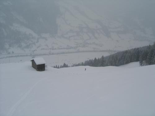 Foto: Christian Suschegg / Ski Tour / Tagkopf (2085m) / Aufstieg über die Wiesen im unteren Bereich. Tiefblick ins Gasteiner Tal / 04.01.2007 13:59:40