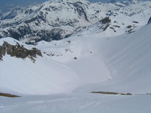 Foto: Christian Suschegg / Skitour / Von der Felseralm auf die Glöcknerin (2433m) / Als Abfahrtsvariante bietet sich der direkte Weg hinunter zum Wildsee an / 05.01.2007 08:49:02