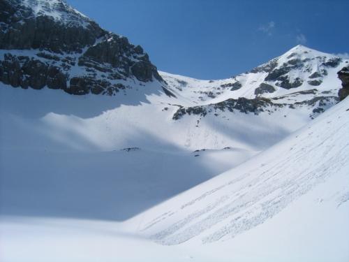 Foto: Christian Suschegg / Skitour / Von der Felseralm auf die Glöcknerin (2433m) / Aufblick vom Wildsee über das Gelände der Abfahrts-Variante / 05.01.2007 08:48:23