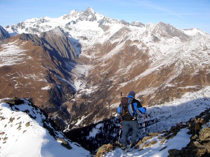 Foto: Manfred Karl / Wander Tour / Schönleitenspitze / Während des Abstiegs hat man ständig einen herrlichen Blick auf den Großglockner. / 21.01.2007 07:03:00