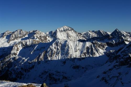 Foto: Christian Suschegg / Skitour / Über den Giglachsee auf Sauberg und Vetternspitzen (2524m) / Blick von der Vetternspitze nach Osten zum Hochgolling  / 05.01.2007 13:46:18