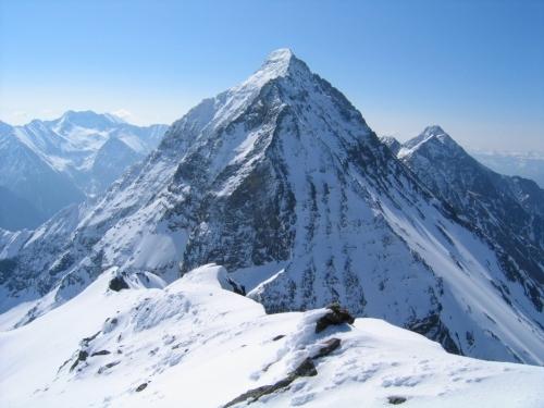 Foto: Christian Suschegg / Ski Tour / Vom Obertal auf den Zwerfenberg (2642m) / Der nächste Nachbar im Südosten: Der Hochgolling / 05.01.2007 14:48:19