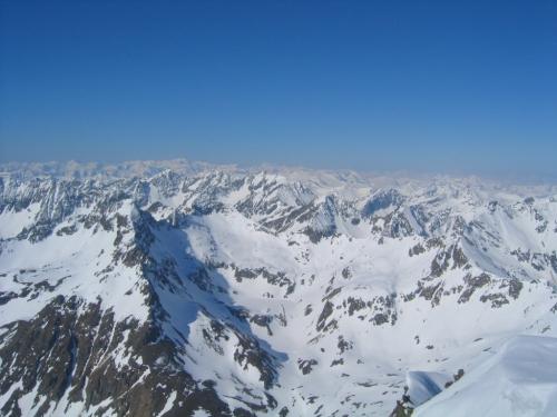 Foto: Christian Suschegg / Ski Tour / Vom Obertal auf den Zwerfenberg (2642m) / Blick über die Gipfelwelt der Schladminger Tauern / 05.01.2007 14:47:09