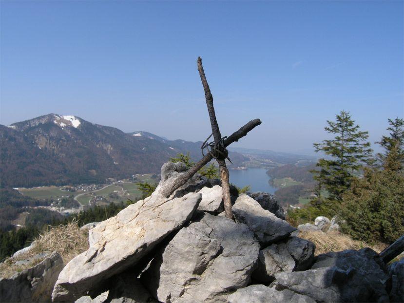 Foto: Benedik Herbert / Wander Tour / Ellmaustein - Traumaussichtsberg auf den Fuschlsee / am höchsten Gipfel / 07.01.2007 19:23:48