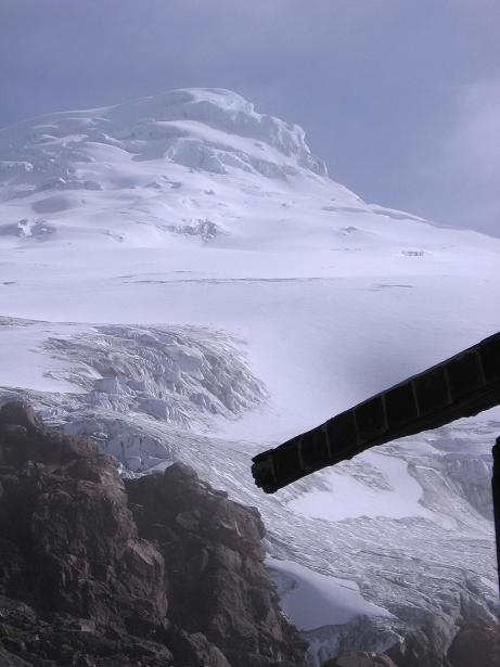 Foto: Andreas Koller / Wander Tour / Im ewigen Eis des Cayambe (5794 m) / El Cayambe von der Hütte aus / 09.01.2007 04:39:29