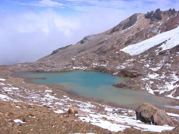 Foto: Andreas Koller / Wander Tour / Im ewigen Eis des Cayambe (5794 m) / Laguna verde auf 4900 m / 09.01.2007 04:47:43