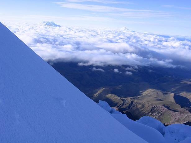 Foto: Andreas Koller / Wander Tour / Im ewigen Eis des Cayambe (5794 m) / In der steilsten Passage des Anstieges / 09.01.2007 04:46:15