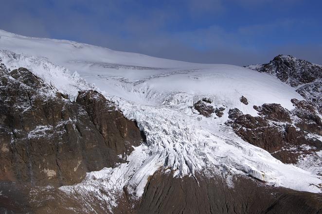 Foto: Andreas Koller / Wander Tour / Im ewigen Eis des Cayambe (5794 m) / Die Gletscherzunge des Glacier Hermoso / 22.04.2007 20:44:35