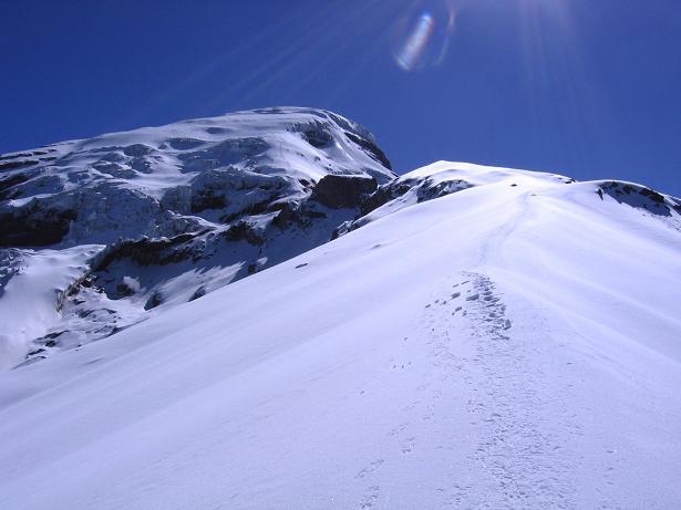 Foto: Andreas Koller / Wander Tour / Chimborazo - König der Anden Ecuadors (6310 m) / Anstiegsroute aus einer Höhe von 5100 m gesehen / 10.01.2007 03:01:37