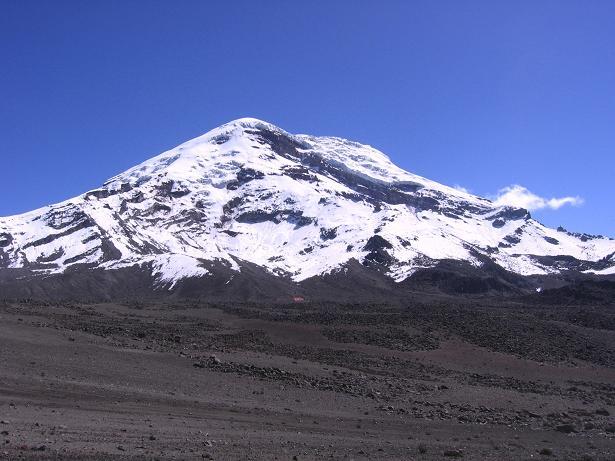 Foto: Andreas Koller / Wander Tour / Chimborazo - König der Anden Ecuadors (6310 m) / Blick aus dem SW auf den Chimborazo (Anstiegsroute ist der W-Grat links im Bild) / 10.01.2007 03:00:55