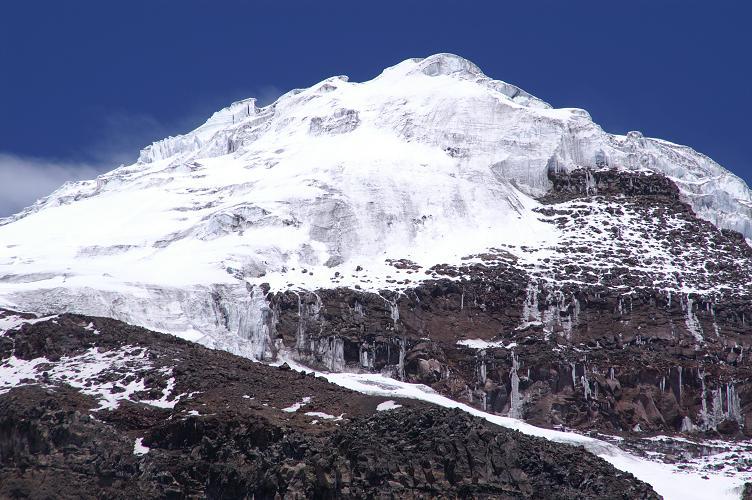 Foto: Andreas Koller / Wander Tour / Chimborazo - König der Anden Ecuadors (6310 m) / Eisige Südflanke des Chimborazo / 22.04.2007 20:47:54