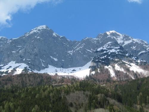 Foto: Christian Suschegg / Schneeschuh Tour / Sagenumwobenes Grimmingtor / Aufblick vom Ausgangspunkt zum Grimmingtor / 08.01.2007 13:23:19