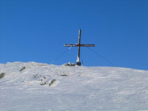 Foto: Christian Suschegg / Ski Tour / Horningalm - Schüttkogel (2049m) / Das Gipfelkreuz am Schüttkogel. / 11.01.2007 13:38:53