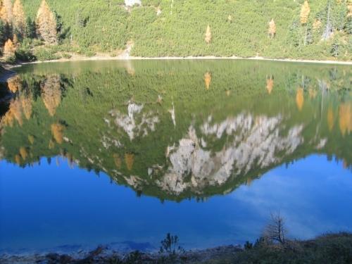 Foto: Christian Suschegg / Wander Tour / Ahornsee - Grafenbergalm - Kufstein (2049m) / Spiegelung am Ahornsee. / 21.01.2007 18:06:27