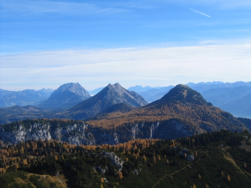 Foto: Christian Suschegg / Wander Tour / Ahornsee - Grafenbergalm - Kufstein (2049m) / Blick nach Osten zu Grimming, Kammspitz und Stoderzinken. / 21.01.2007 18:00:42