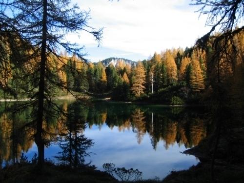 Foto: Christian Suschegg / Wander Tour / Ahornsee - Grafenbergalm - Kufstein (2049m) / Der idyllische Ahornsee. / 21.01.2007 18:09:19