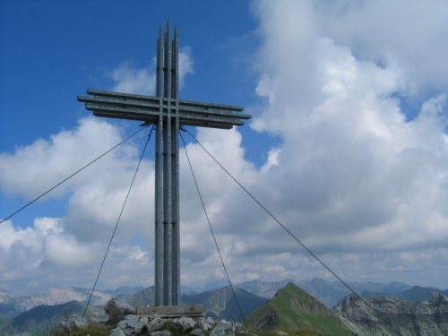 Foto: Christian Suschegg / Wandertour / Zehnerkarspitze - Gamsspitzl - Gamsleitenspitze - Herbertspitze / Beim Gipfelkreuz am Gamsspitzl. / 19.01.2007 08:56:15