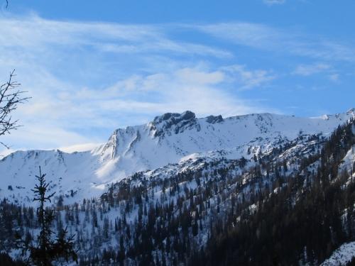 Foto: Christian Suschegg / Schneeschuh Tour / Aus der Walchen auf Totenkarspitz und Karlspitz / Blick nach Süden zum Hangofen über dem Englitztal. / 17.01.2007 19:29:51