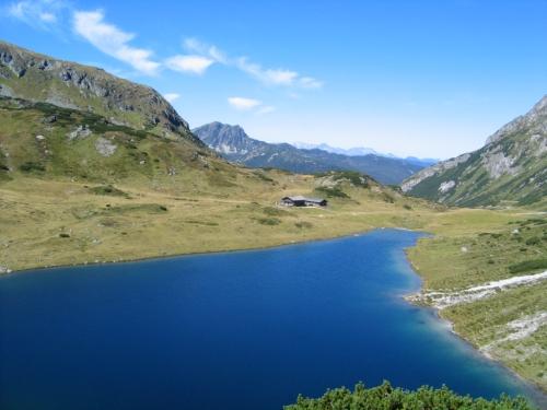 Foto: Christian Suschegg / Wander Tour / Um und Auf die Sonntagkarhöhe / Beim idyllischen Oberhüttensee. / 20.01.2007 12:36:23