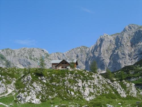 Foto: Christian Suschegg / Wander Tour / Edelweißkogel - Fritzerkogel - Bleikogel / Vorbei bei der Laufener Hütte. / 20.01.2007 16:26:55