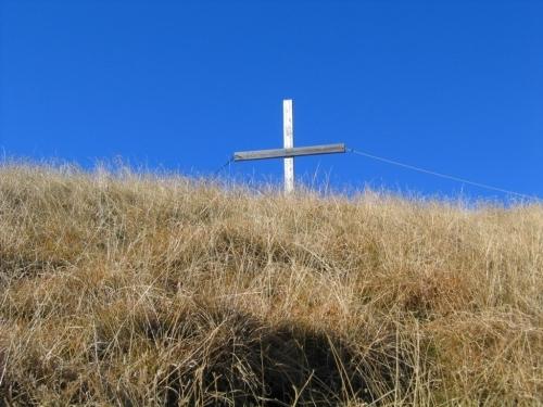 Foto: Christian Suschegg / Wander Tour / Seekarspitze - Hundskogel / Das Gipfelkreuz am Hundskogel ist gleich erreicht. / 20.01.2007 18:20:12
