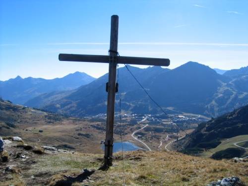 Foto: Christian Suschegg / Wandertour / Seekarspitze - Hundskogel / Das Kreuz in der Seekarscharte. / 20.01.2007 18:24:25