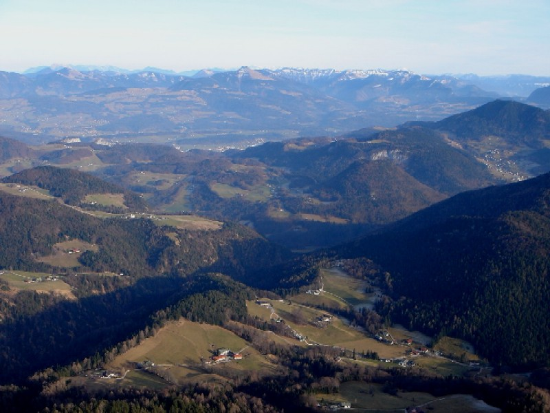 Foto: Manfred Karl / Wander Tour / Rauher Kopf (1604m) / Freier Blick über die Barmsteine in die Osterhorngruppe / 21.01.2007 09:49:22
