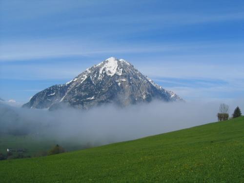 Foto: Christian Suschegg / Wander Tour / Überschreitung von Gwöhnlistein und Hechlstein / Schöne Ausblicke zum Grimming. / 21.01.2007 11:45:13