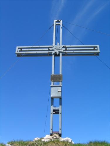 Foto: Christian Suschegg / Wandertour / Überschreitung von Gwöhnlistein und Hechlstein / Das große Gipfelkreuz am Hechlstein-Hauptgipfel. Ein kleineres Kreuz findet sich am Westgipfel. / 21.01.2007 11:38:00