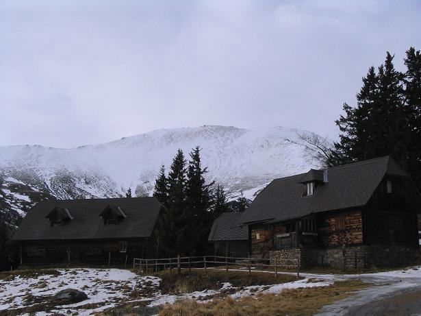Foto: Andreas Koller / Wander Tour / Drei-Gipfel-Tour aus dem Schöttelgraben (2260 m) / Die Hühnerbachhütte / 22.01.2007 03:17:47