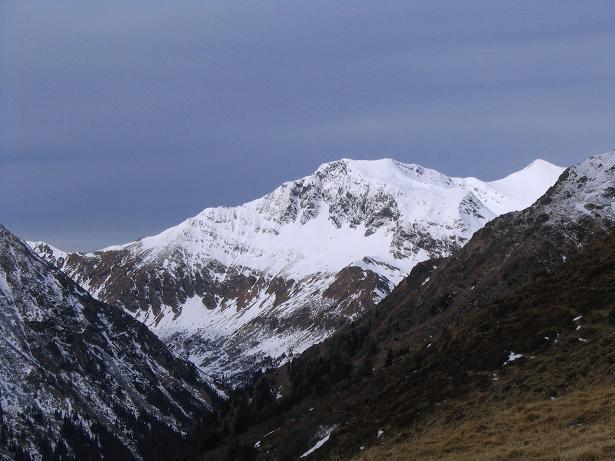 Foto: Andreas Koller / Wander Tour / Drei-Gipfel-Tour aus dem Schöttelgraben (2260 m) / Blick nach N auf den Hohenwart (2363 m) / 22.01.2007 03:18:03