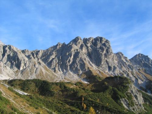 Foto: Christian Suschegg / Wander Tour / Über den Steiglpaß auf den Steiglkogel / Blick von der Hofpürglhütte auf Steiglkogel und Steiglpaß (links davon). / 23.01.2007 14:22:44