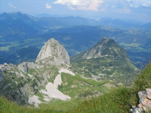 Foto: Christian Suschegg / Wander Tour / Über den Scharfen Steig und die Laufener Hütte auf Tagweide und Hochkarfelderkopf / Blick von der Tagweide auf die Traunsteine. / 24.01.2007 09:58:33
