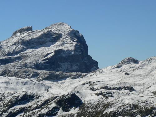 Foto: vince 51 / Wander Tour / Von Grabs auf die Tschaggunser Mittagsspitze (2168m) / Scheienfluh, Weissplatte, und Tilisunahütte / 26.01.2007 21:50:12