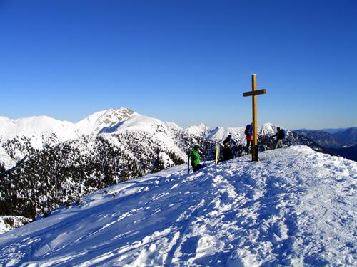 Foto: vince 51 / Schneeschuh Tour / Mit Schneeschuhen auf den Ochsenälpeleskopf (1905m) / Blick zur Hochplatte / 27.01.2007 23:25:52