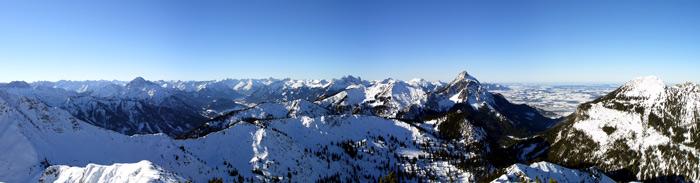Foto: vince 51 / Schneeschuh Tour / Mit Schneeschuhen auf den Ochsenälpeleskopf (1905m) / West-Panorama / 27.01.2007 23:24:17